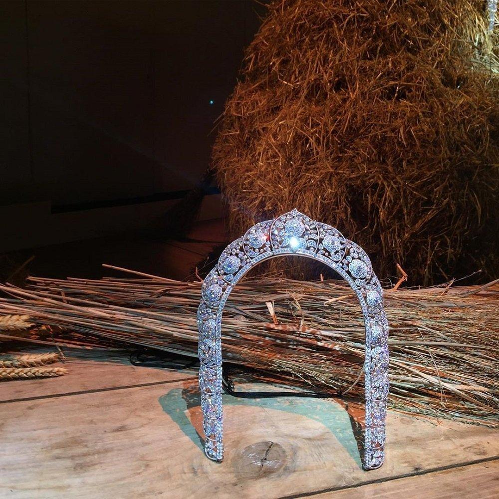 香奈儿专门推出俄罗斯风新款高级珠宝饰品