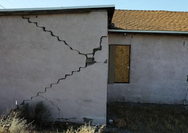 美国洛杉矶附近发生7.1级地震