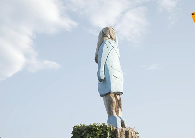 美第一夫人雕像在故乡斯洛文尼亚落成