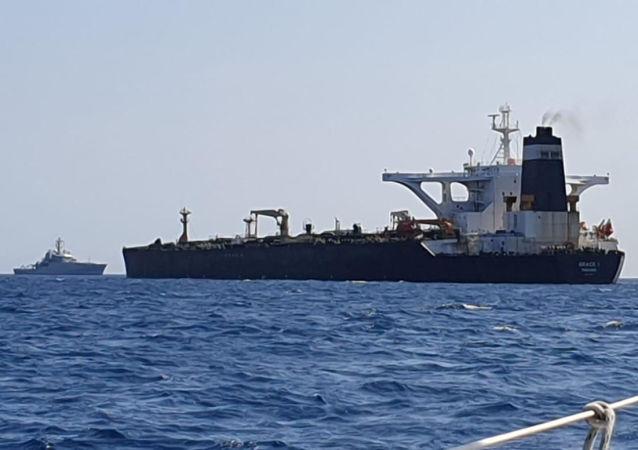在直布罗陀遭扣押的油轮