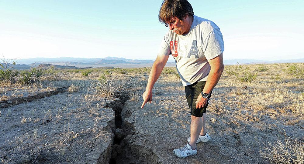 美國加州地震在地表留下從太空可以看到的裂痕