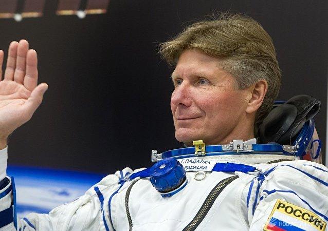 俄罗斯宇航员帕达尔卡在哈努尔苏丹加入环球飞行挑战