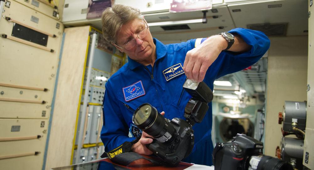 俄宇航員帕達爾卡環球飛行挑戰途中停留毛里求斯