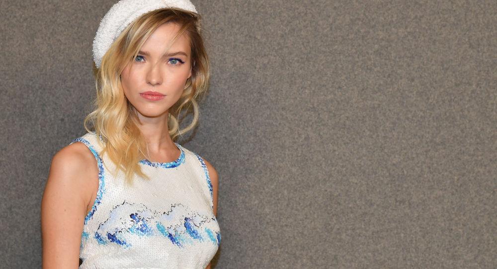 俄模特露絲承認法國導演貝松幫助她實現成為演員的夢想