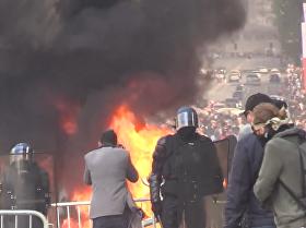 法國國慶日遭遇「黃背心」抗議者示威