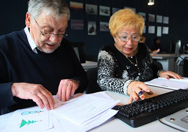 大多数临近退休的俄罗斯人准备接受再培训