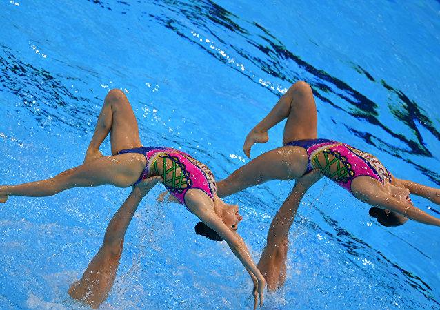 俄罗斯花样游泳国家队在世锦赛上夺金