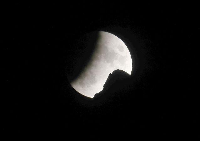 俄中筹划成立探月与深空探测数据中心