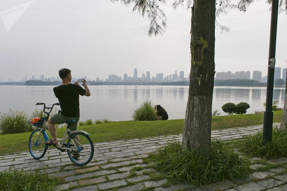 武汉东湖,自行车、马拉松比赛、露天上运动和帆船比赛场