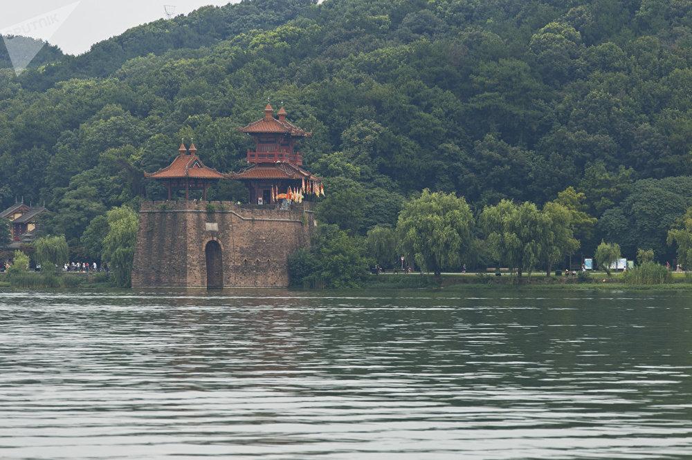 武汉东湖,自行车、马拉松比赛、露天上运动和帆船比赛场地
