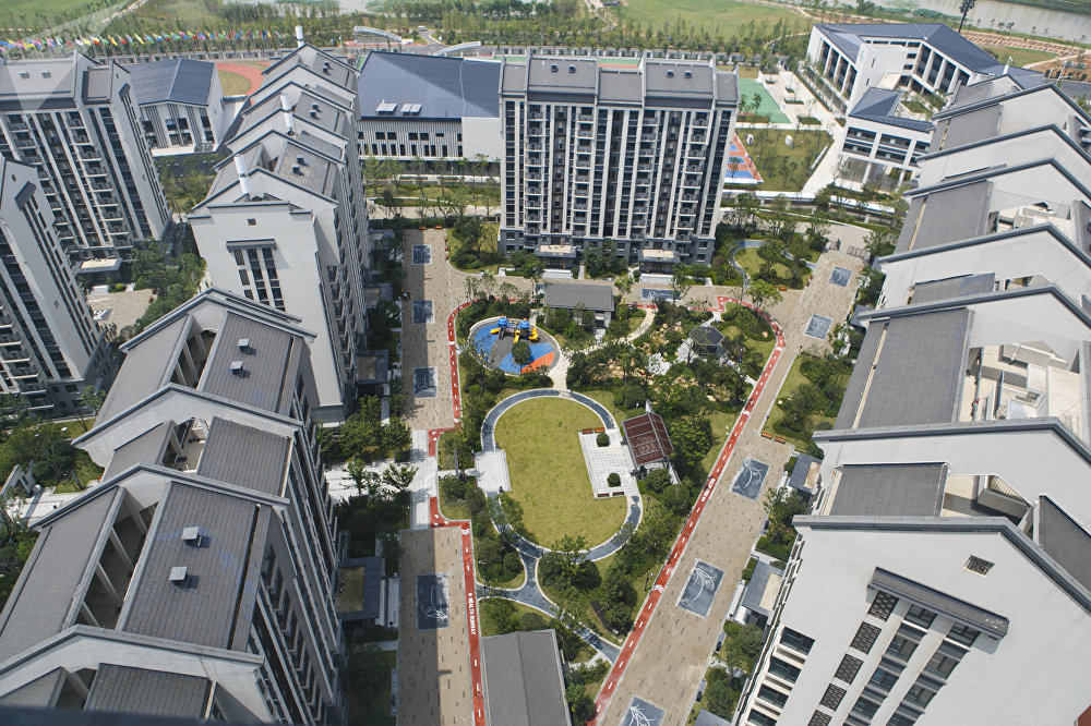 中国武汉2019第七届世界军人运动会运动员村由四个区组成:住宅区、公共区、物流区和运营区。项目总面积848.7亩,可容纳近万名运动员