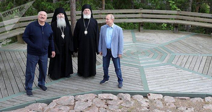 普京和盧卡申科參觀瓦拉姆