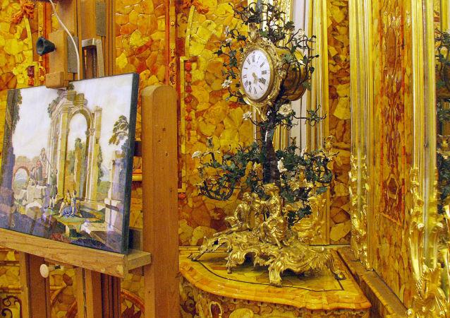 中国游客为治病对圣彼得堡郊外的琥珀屋趋之若鹜