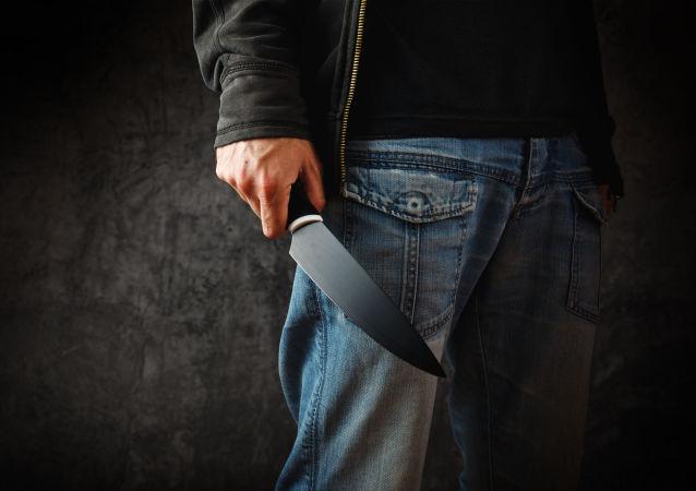 法國一名少年持刀攻擊學校的兩名女員工