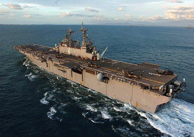 拳師號兩棲攻擊艦(USS Boxer)