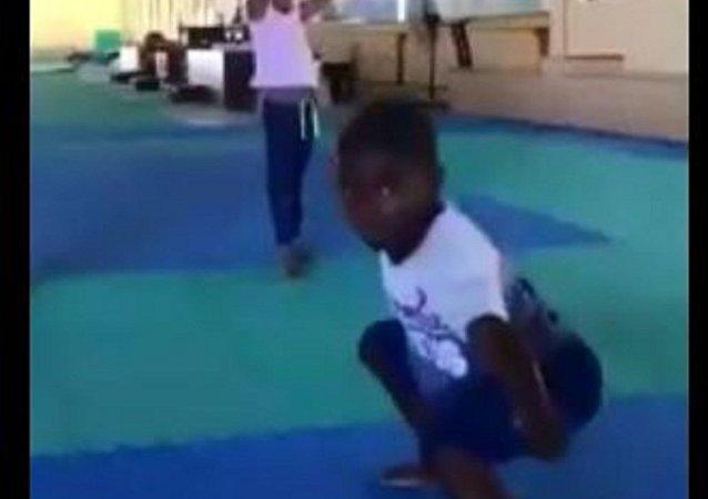 來自非洲的功夫小子