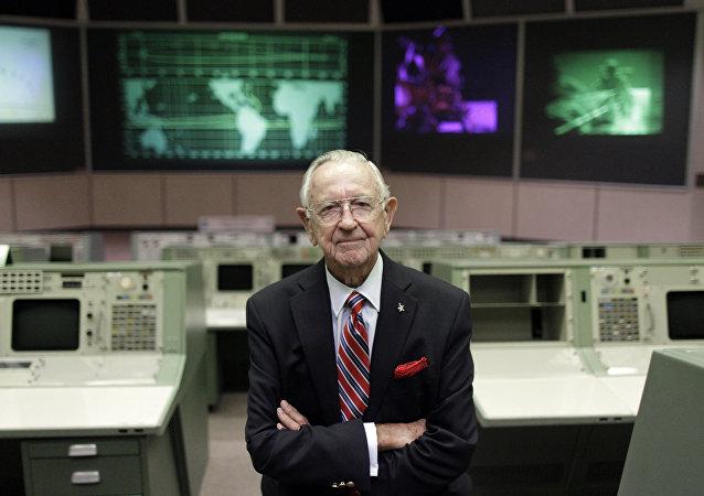 NASA第一位飞行总指挥逝世