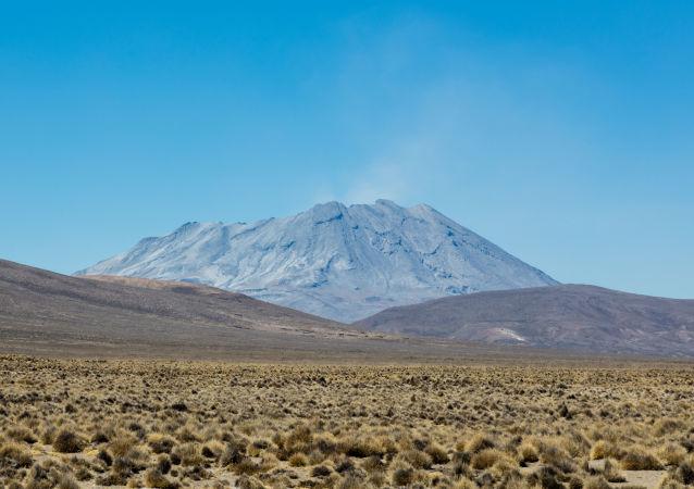 秘魯烏維納斯火山