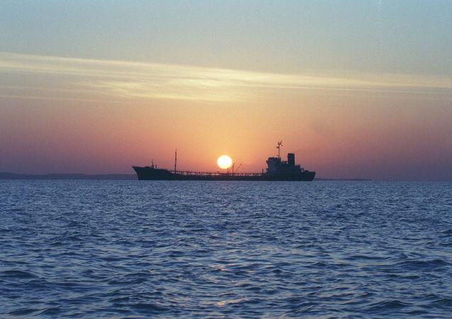在红海爆炸的伊朗油轮已基本停止漏油
