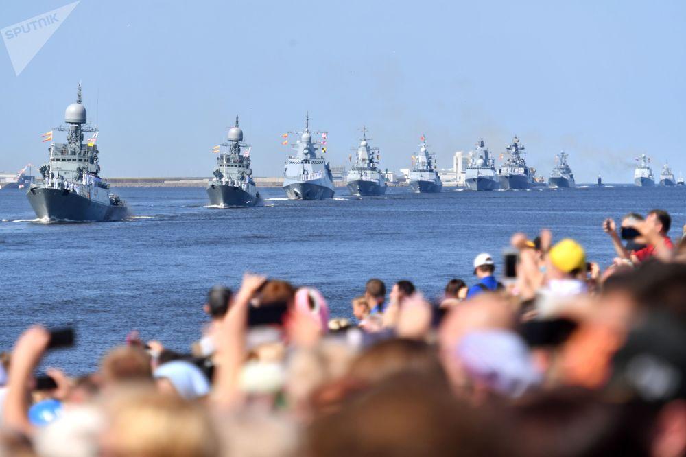 圣彼得堡和新罗西斯克海军日阅兵彩排