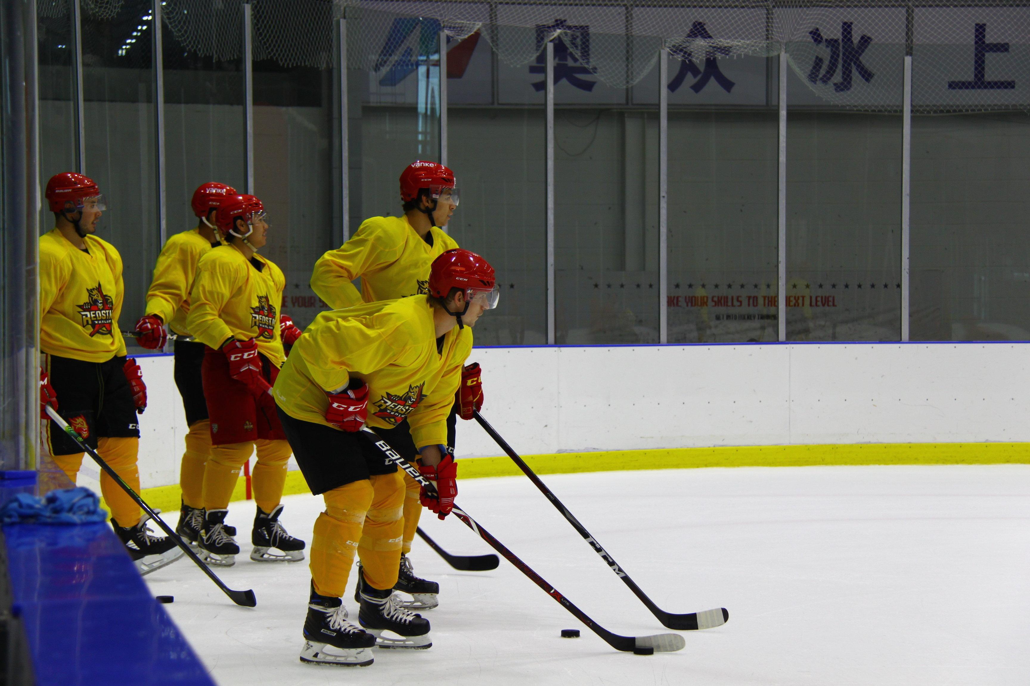 俄冰球名宿:中国冰球运动将在北京冬奥会后继续保持发展