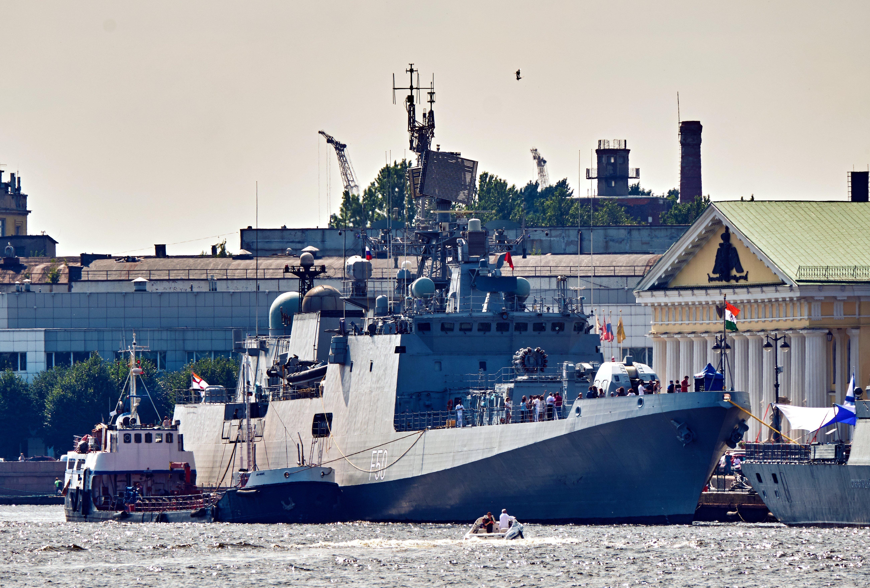"""印度""""塔尔卡什""""护卫舰"""