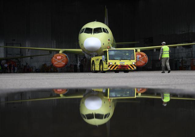 阿穆尔河畔共青城苏霍伊超级100型客机生产