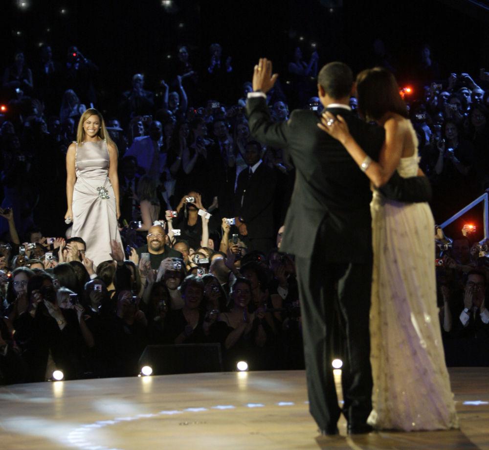 歌手碧昂絲現身美國總統貝拉克·奧巴馬的就職典禮。