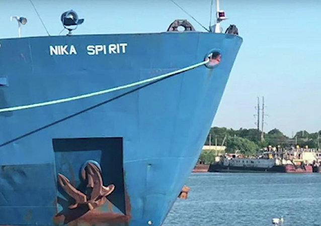 """""""NIKA SPIRIT """"号油轮"""