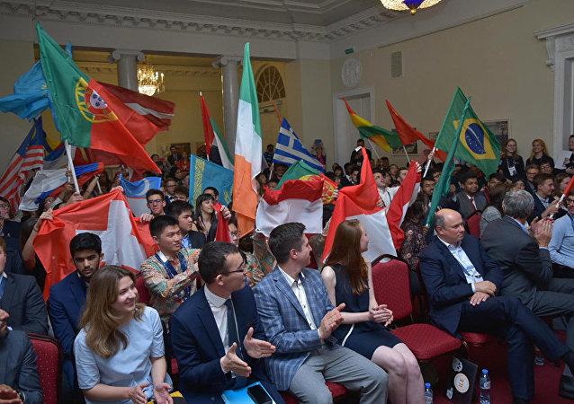 中國學生成為在聖彼得堡舉行的國際經濟學奧林匹克競賽優勝者