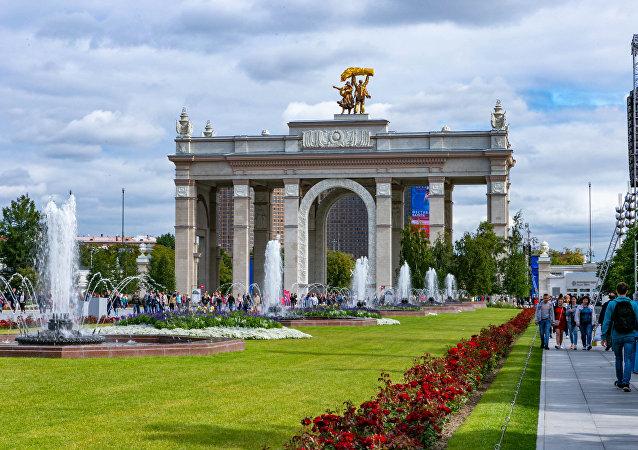 100多萬名賓客在全俄國民經濟成就展覽館建館80週年這天到訪這裡