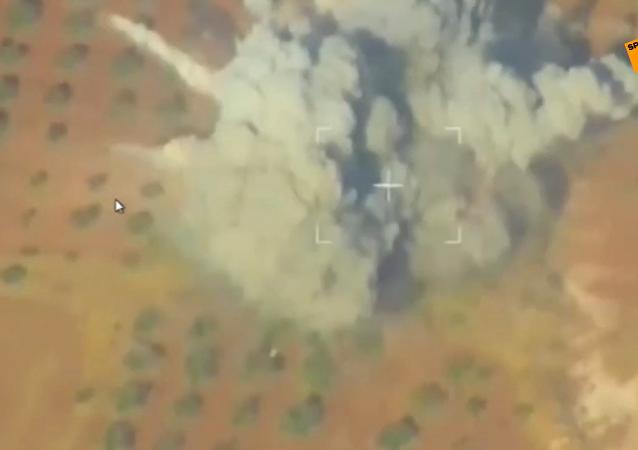 俄国防部发布空袭叙境内武装分子视频