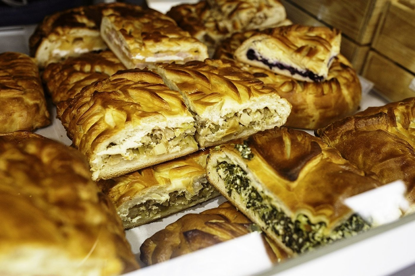 在食品节上俄罗斯传统的馅饼最受欢迎