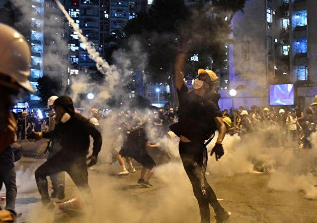 美国因香港骚乱将赴港旅行警告提升至第二级
