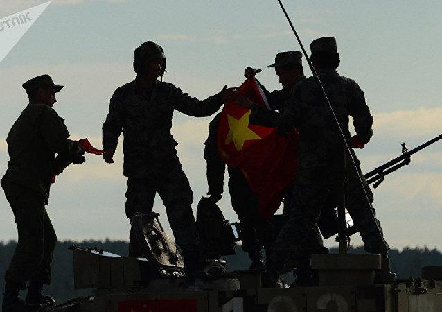 """中国代表队进入国际军事比赛""""狙击边界""""项目第二阶段比赛"""
