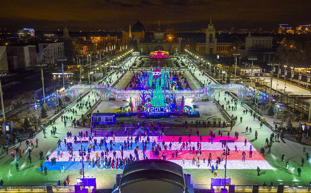 全俄国民经济成就展览馆的冰场是世界上最大的冰场