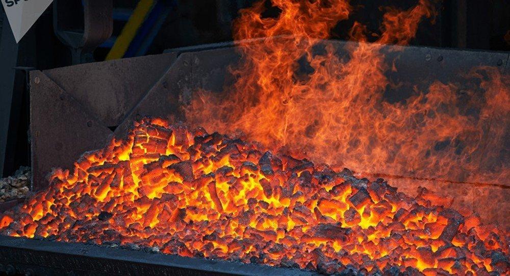 俄矿业巨头与宝钢资源公司签署供应焦煤新合同