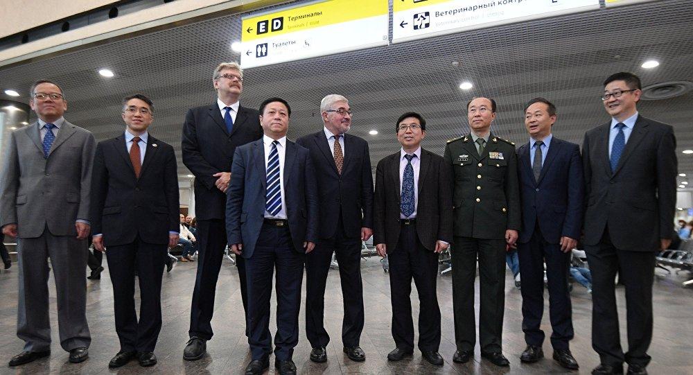 中国新任驻俄大使张汉晖10日抵俄履新