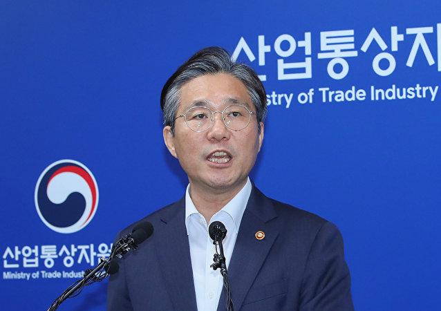 中國能否幫助韓日消除外交醜聞造成的貿易後果