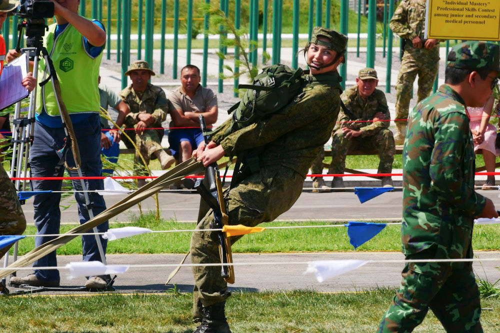 国际军事比赛上的女兵风采