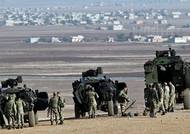 土耳其軍隊進入敘利亞薩拉其卜市