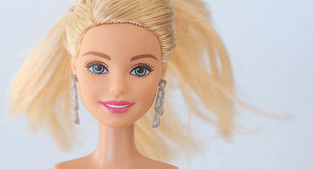 美泰公司发布星战系列芭比娃娃