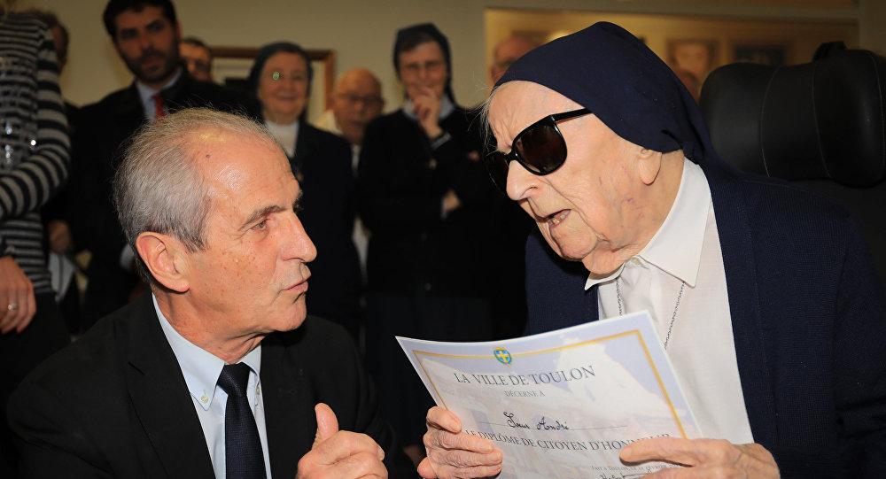 法国115岁修女成为欧洲最年长女性