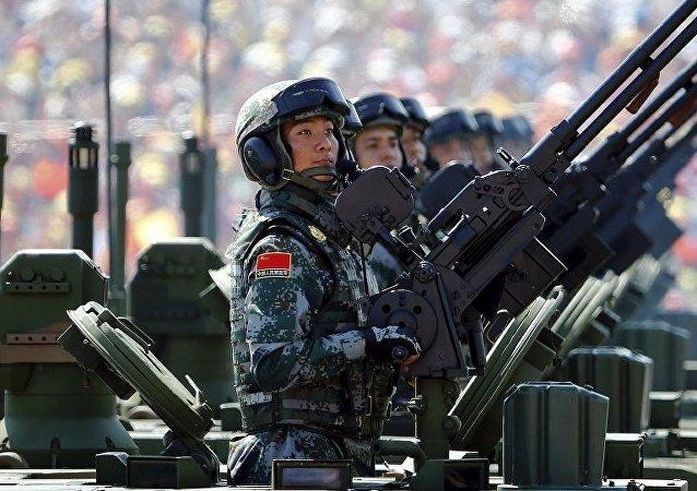"""中国国防部:中国军队没有必要通过阅兵来""""秀肌肉"""