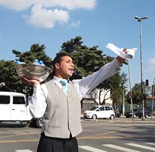 巴西街頭賣水的網紅小哥