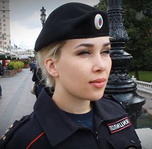 俄罗斯美女警察