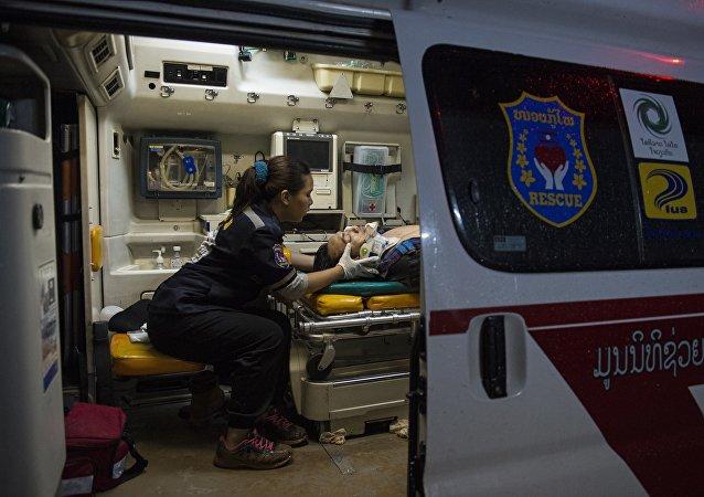 中國旅行團在老撾發生嚴重車禍 事故已造成約5人遇難14人失蹤