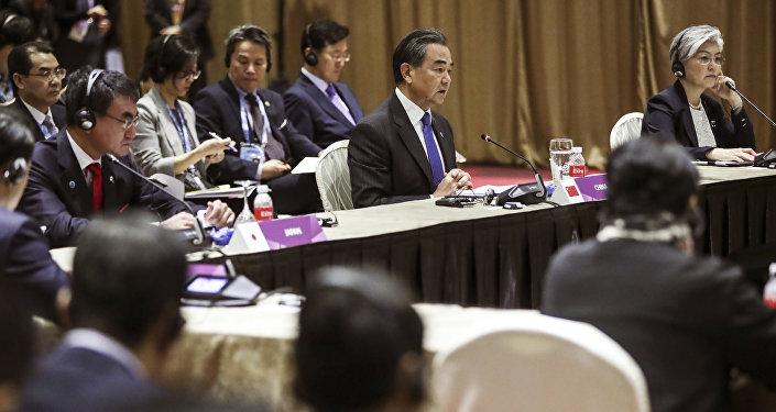 中国将帮助日本和韩国和解
