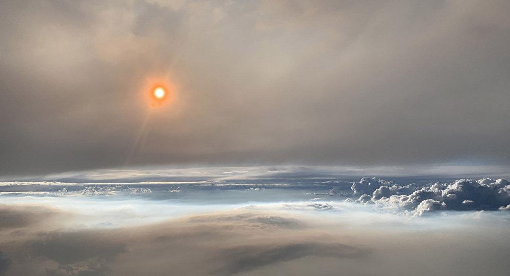 火积云中的罕见镜头:令人着迷的美景