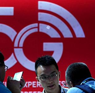 华为发布全球首款第二代5G手机